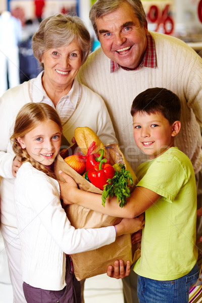 Сток-фото: семьи · супермаркета · портрет · счастливым · дедушка · и · бабушка · внучата
