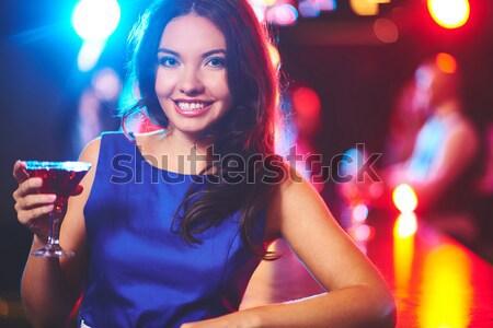 Discoteca clubbing ragazza cocktail guardando Foto d'archivio © pressmaster