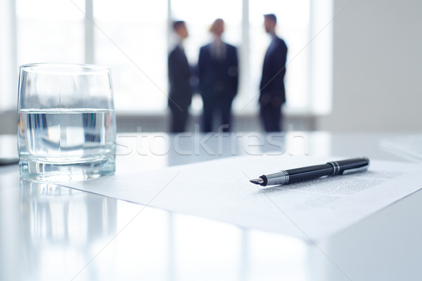 Pen document glas water afbeelding business Stockfoto © pressmaster