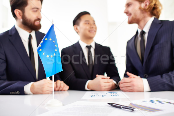 Business onderhandelingen afbeelding europese vlag documenten Stockfoto © pressmaster
