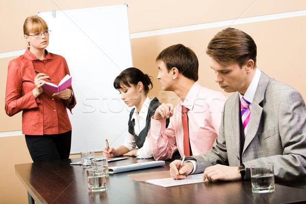 Foto stock: Consulta · maestro · imagen · inteligentes · mirando · empresario