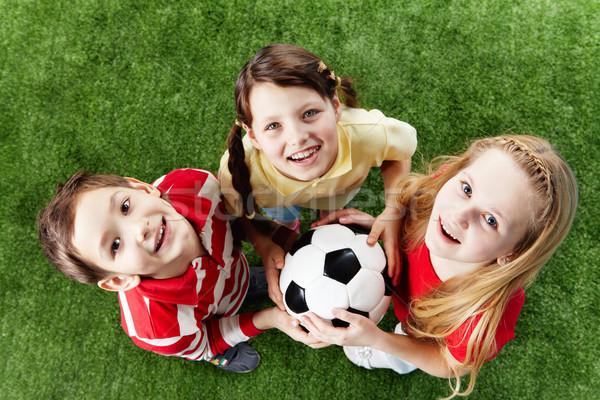 Сток-фото: три · друзей · изображение · счастливым · трава · мяча