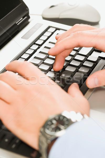 человека рук набрав ноутбука бизнеса интернет Сток-фото © pressmaster