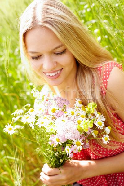 Zdjęcia stock: Kobiet · kwiaty · portret · młoda · kobieta