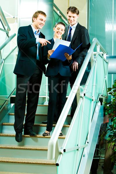 Reunião retrato pessoas de negócios em pé escada negócio Foto stock © pressmaster