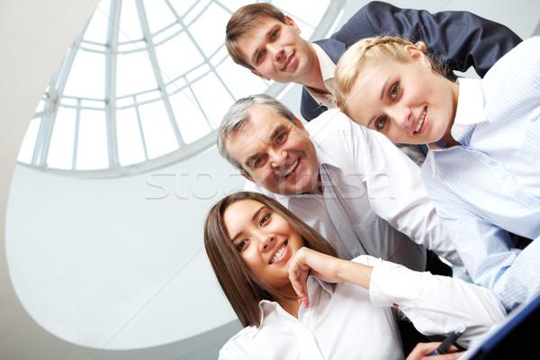 Foto stock: Cuatro · gente · de · negocios · negocios · oficina · equipo · empresarial