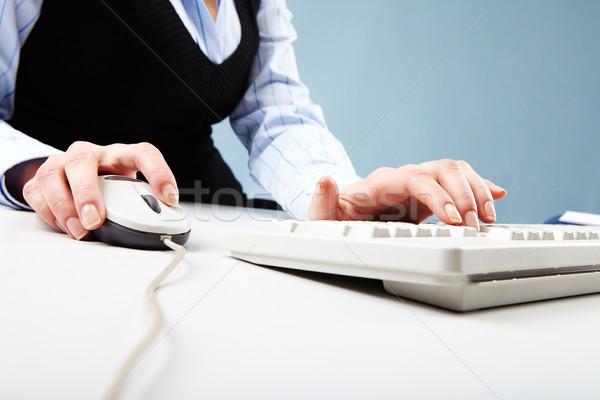 Stok fotoğraf: Bilgisayar · çalışmak · kadın · el · beyaz