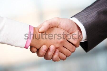 Accordo foto stretta di mano business partner firma Foto d'archivio © pressmaster