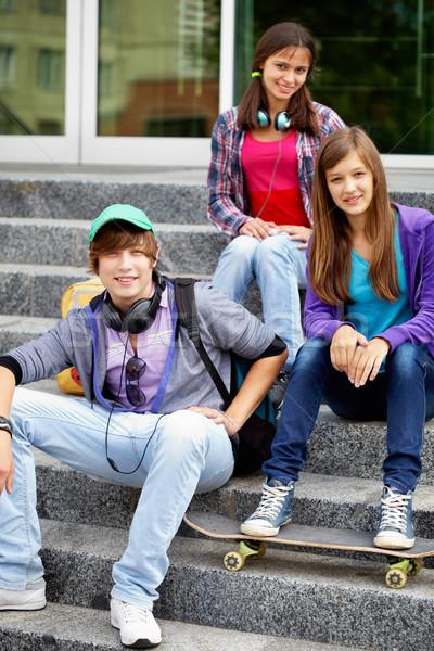 молодой друзей портрет счастливым подростков лестницы Сток-фото © pressmaster