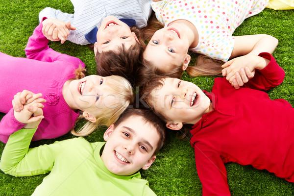 Foto d'archivio: Felice · ragazzi · immagine · amici · erba · sorridere