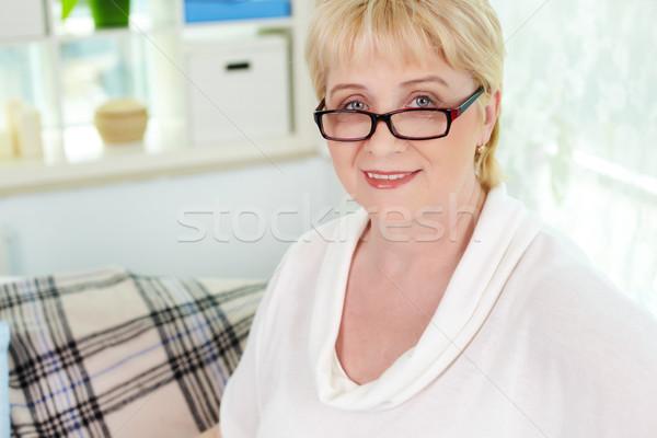 Foto stock: Mujer · retrato · mujer · madura · mirando · cámara