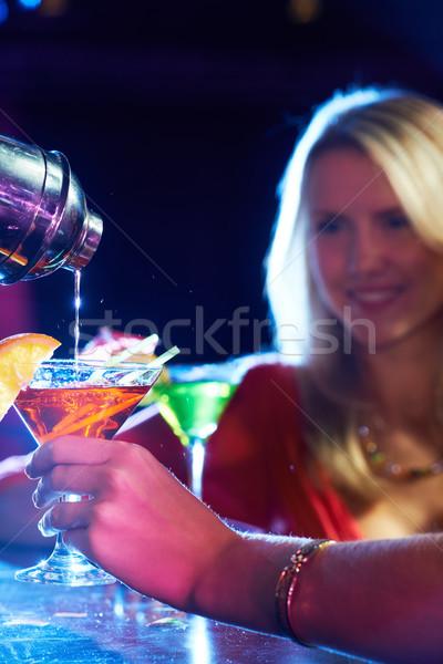 коктейль вертикальный изображение женщины Сток-фото © pressmaster