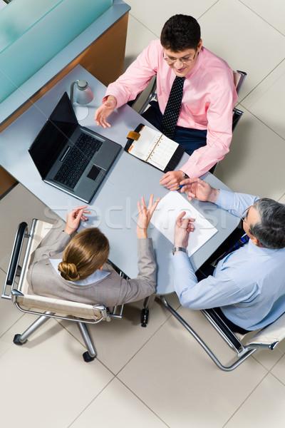 会話 ビジネスチーム 座って 表 オフィス ストックフォト © pressmaster