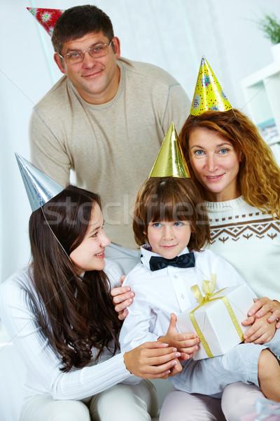 Aniversário foto feliz família mulher homem Foto stock © pressmaster