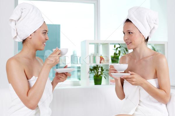 Foto stock: Feliz · amigos · meninas · banho · toalhas