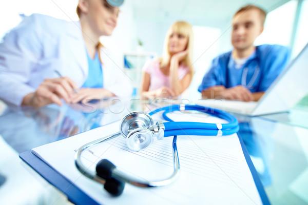 Medische apparatuur stethoscoop papier artsen patiënt Stockfoto © pressmaster