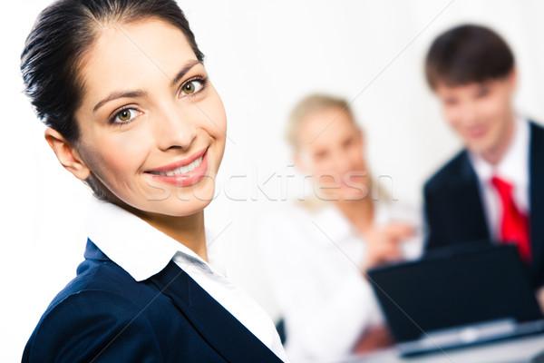 Dość specjalista szczęśliwy kobieta patrząc Zdjęcia stock © pressmaster