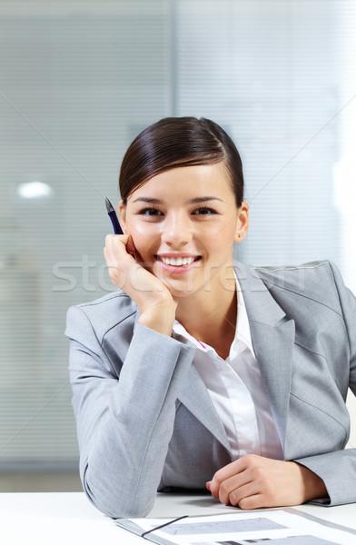 Сток-фото: женщину · месте · изображение · молодые · работодатель · глядя