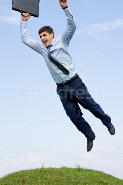 Сток-фото: успех · красивый · бизнесмен · зеленая · трава · Blue · Sky · бизнеса