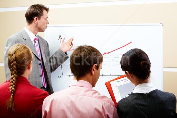 Сток-фото: лекция · изображение · серьезный · бизнесмен · указывая