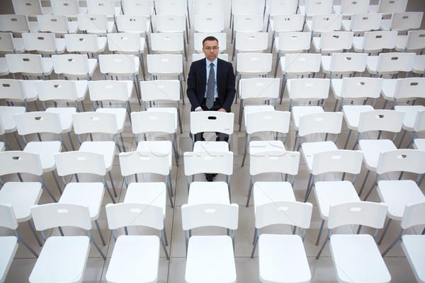 Poważny pracodawca portret biznesmen posiedzenia jeden Zdjęcia stock © pressmaster