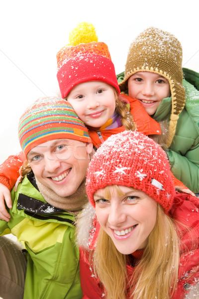 Foto stock: Retrato · de · família · família · feliz · inverno · roupa · olhando · câmera