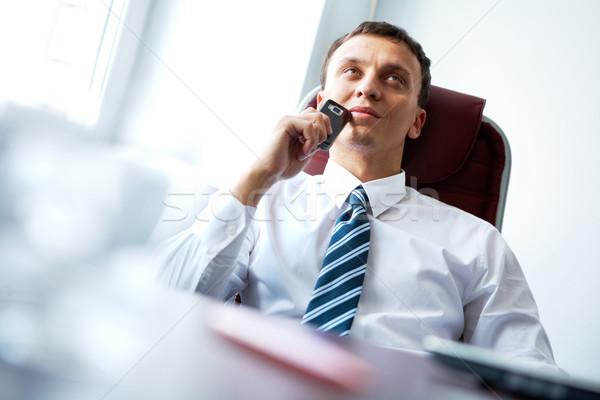 Foto stock: Pensativo · humor · empresário · sessão · tabela · telefone · móvel