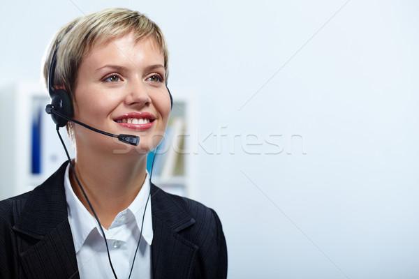 Línea directa retrato amistoso servicio al cliente representante trabajo Foto stock © pressmaster