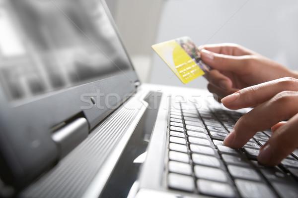 E-ticaret görüntü eller kredi kartı Stok fotoğraf © pressmaster