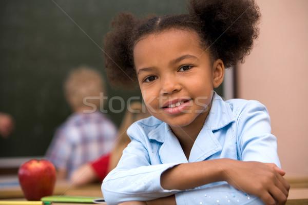 Szorgalmas iskolás lány portré boldog okos mosolyog Stock fotó © pressmaster
