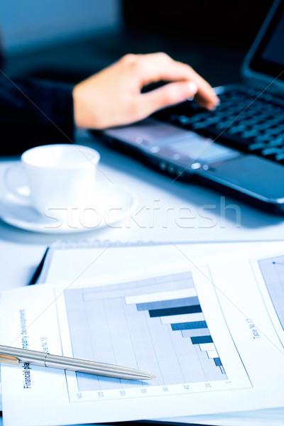Foto stock: Trabalhando · tempo · imagem · caneta · documento · tabela