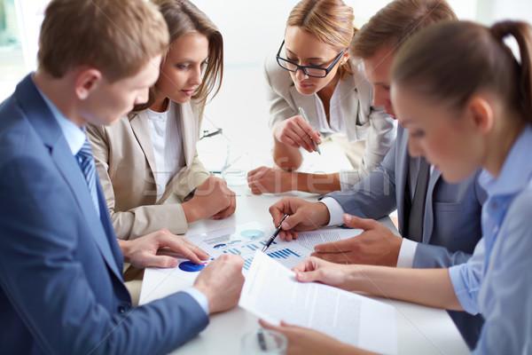 Stock fotó: Együtt · dolgozni · kép · üzleti · partnerek · megbeszél · iratok · megbeszélés