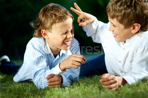 Leuk portret gelukkig jongens spelen grappen Stockfoto © pressmaster