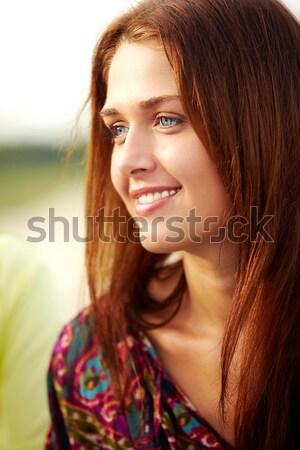 Kuszący piękna shot przepiękny kręcone włosy Zdjęcia stock © pressmaster