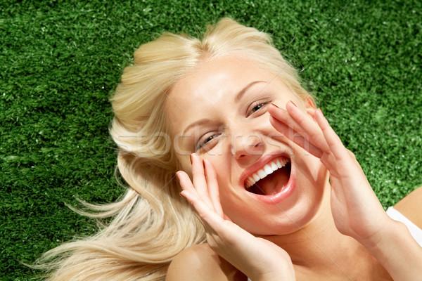 Foto stock: Grito · foto · femenino · hierba · verde · mirando