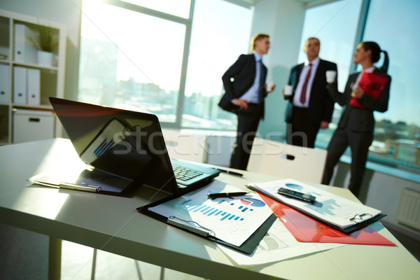 Documenten werkplek afbeelding business drie partners Stockfoto © pressmaster