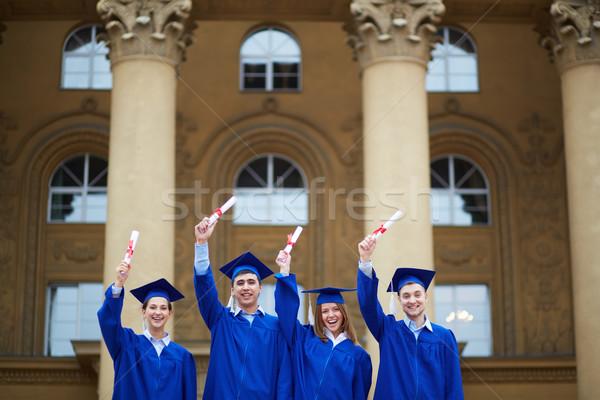 Qualificato gruppo Smart studenti laurea Foto d'archivio © pressmaster