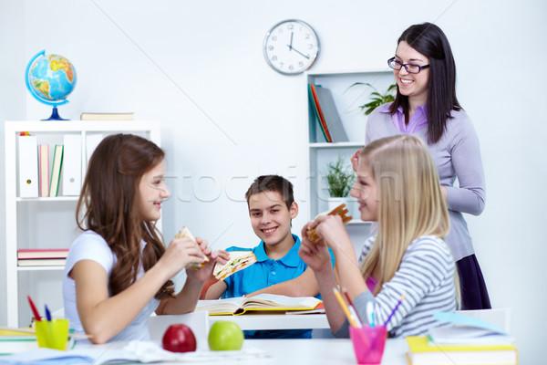昼休み 飢えた 学生 食べ サンドイッチ ブレーク ストックフォト © pressmaster