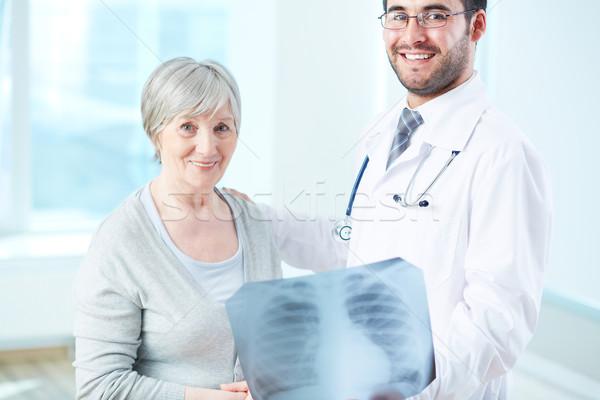 Iyi kıdemli hasta radyolog xray Stok fotoğraf © pressmaster