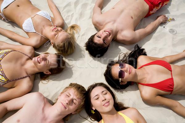 Mensen afbeelding zes mensen zand meisje Stockfoto © pressmaster