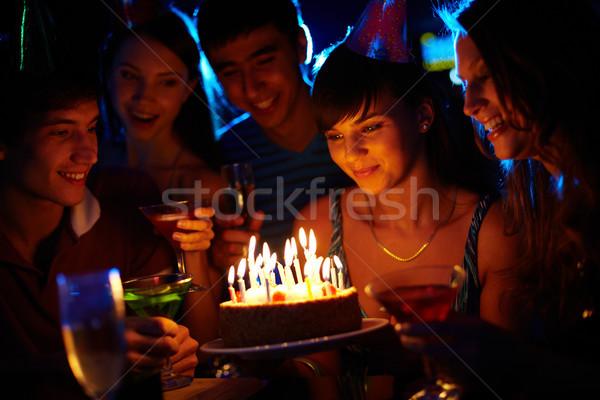 Urodziny zastanawiać się portret radosny dziewczyna patrząc Zdjęcia stock © pressmaster