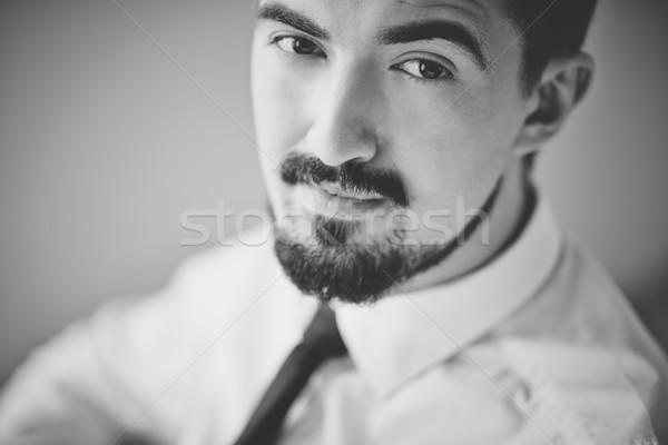 Poważny człowiek obraz szykowny facet patrząc Zdjęcia stock © pressmaster