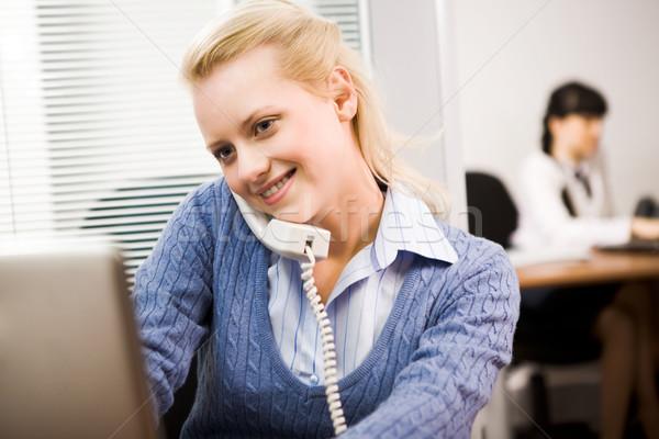 Stock fotó: Hív · telefon · elfoglalt · titkárnő · beszél · iroda