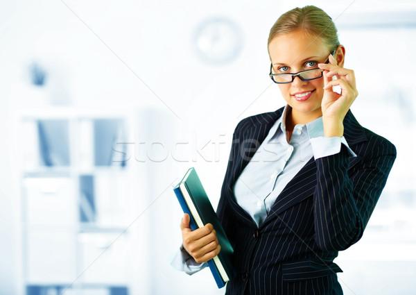Photo stock: élégante · secrétaire · portrait · femme · d'affaires · regarder · caméra