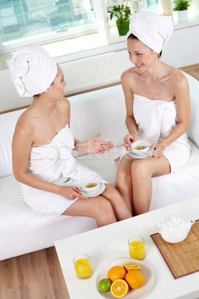 Egészséges élet kettő boldog lányok fürdőkád törölközők Stock fotó © pressmaster