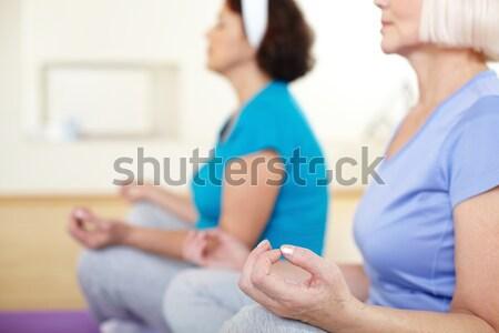 Geestelijke evenwicht vrouwelijke yoga Stockfoto © pressmaster