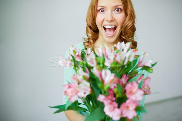 Geluk portret extatisch vrouw bos bloemen Stockfoto © pressmaster