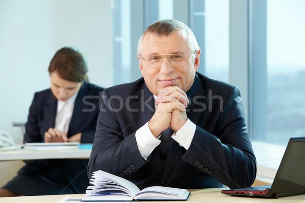 Stok fotoğraf: Profesör · kıdemli · iş · lider · bakıyor · kamera