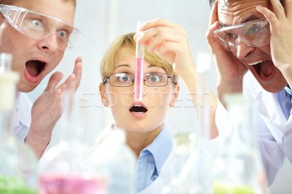 Váratlan kimenetel három megrémült tudósok néz Stock fotó © pressmaster
