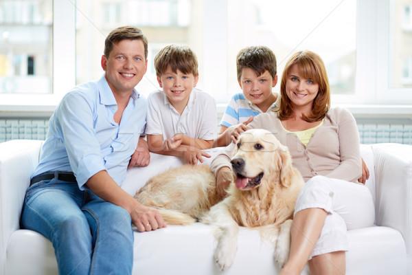 Stok fotoğraf: Ev · portre · mutlu · aile · evcil · hayvan · adam · erkek